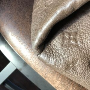 Louis Vuitton Bags - ☀️💛🌟LV Artsy Empreinte in beautiful taupe🌟💛☀️